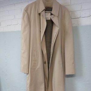 London Fog 3/4 Length Trenchcoat Khaki, 1980's